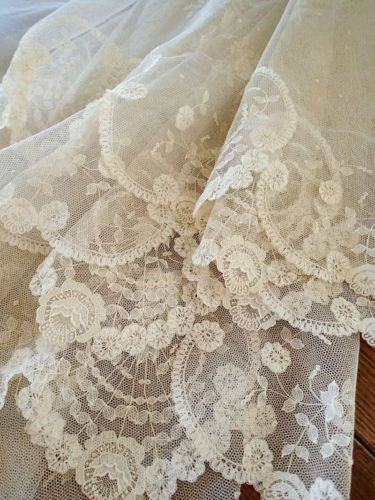 antique lace, silk lingerie, christine lingerie, made in canada, chemise, silk chemise, bridal lingerie, honeymoon lingerie, wedding lingerie