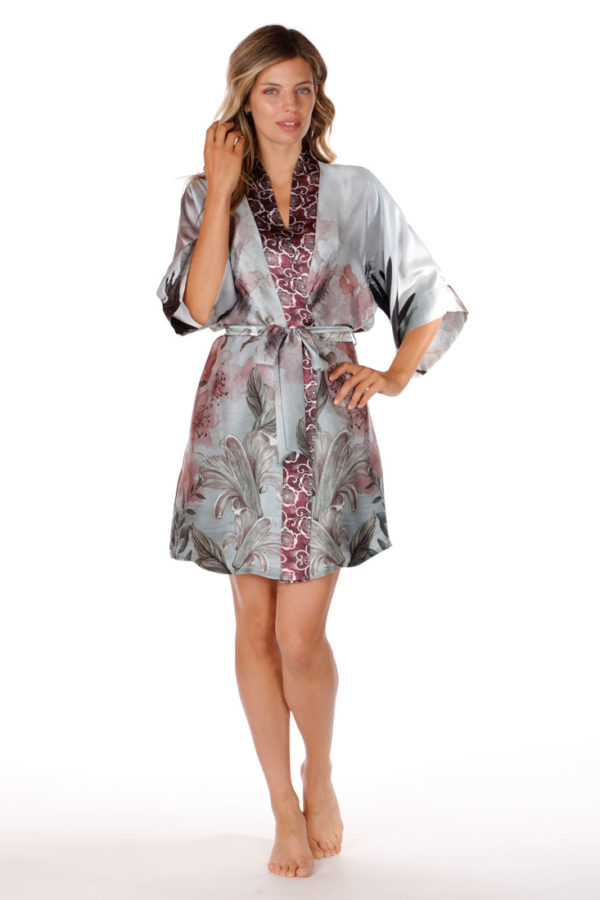 Solitude Short Robe